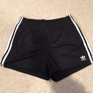 Women's Adidas 3-Stripe Shorts// Size: Small